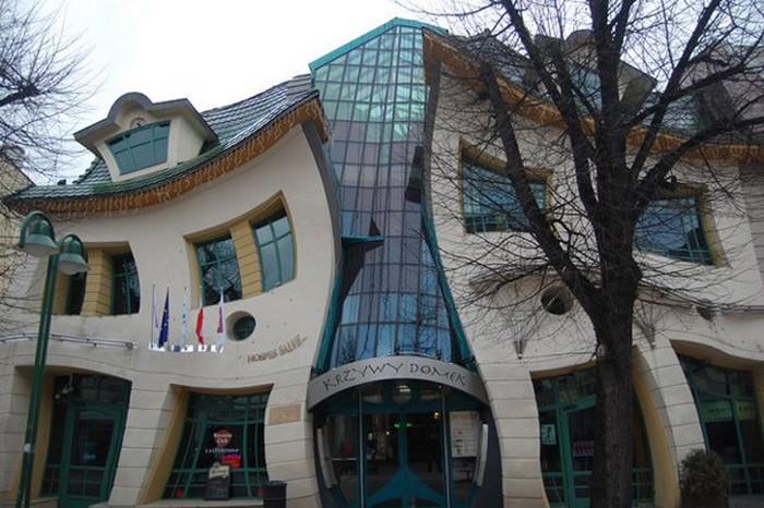 Crazy-Building-Designs-05.jpg