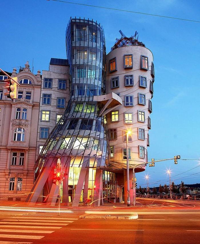 Crazy-Building-Designs-11.jpg