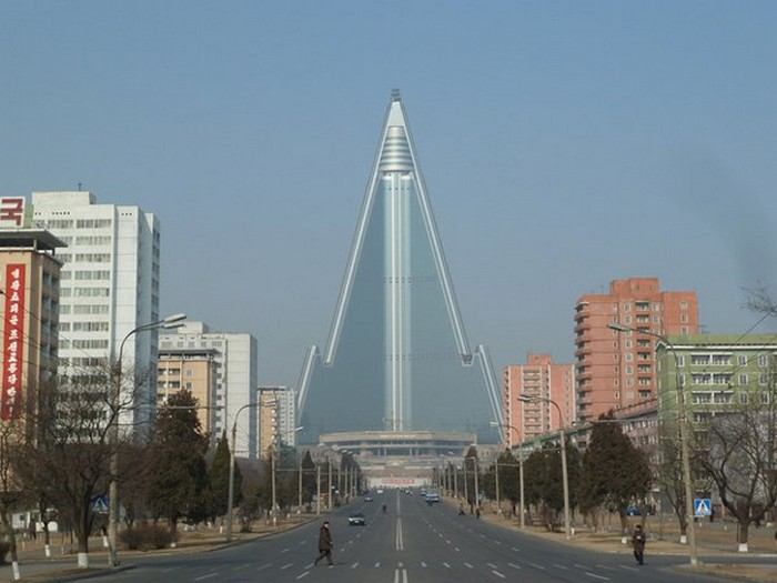 Crazy-Building-Designs-24.jpg