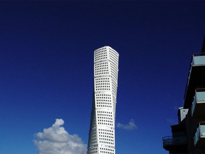 Crazy-Building-Designs-28.jpg