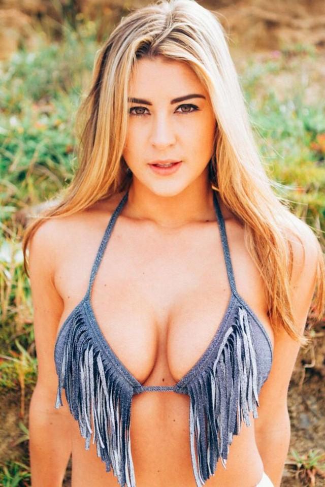 Hotgirlsfysh7.jpg