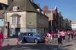 Θυμωμένη γυναίκα μπήκε με το αυτοκίνητο σε Μαραθώνιο