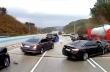 Πεζός γλιτώνει από ατύχημα καθώς προσπαθεί να προειδοποιήσει τους οδηγούς